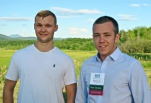 Jack Farrington and Frankie Dowling of Office Squared pose for a photo at the VBSR event.